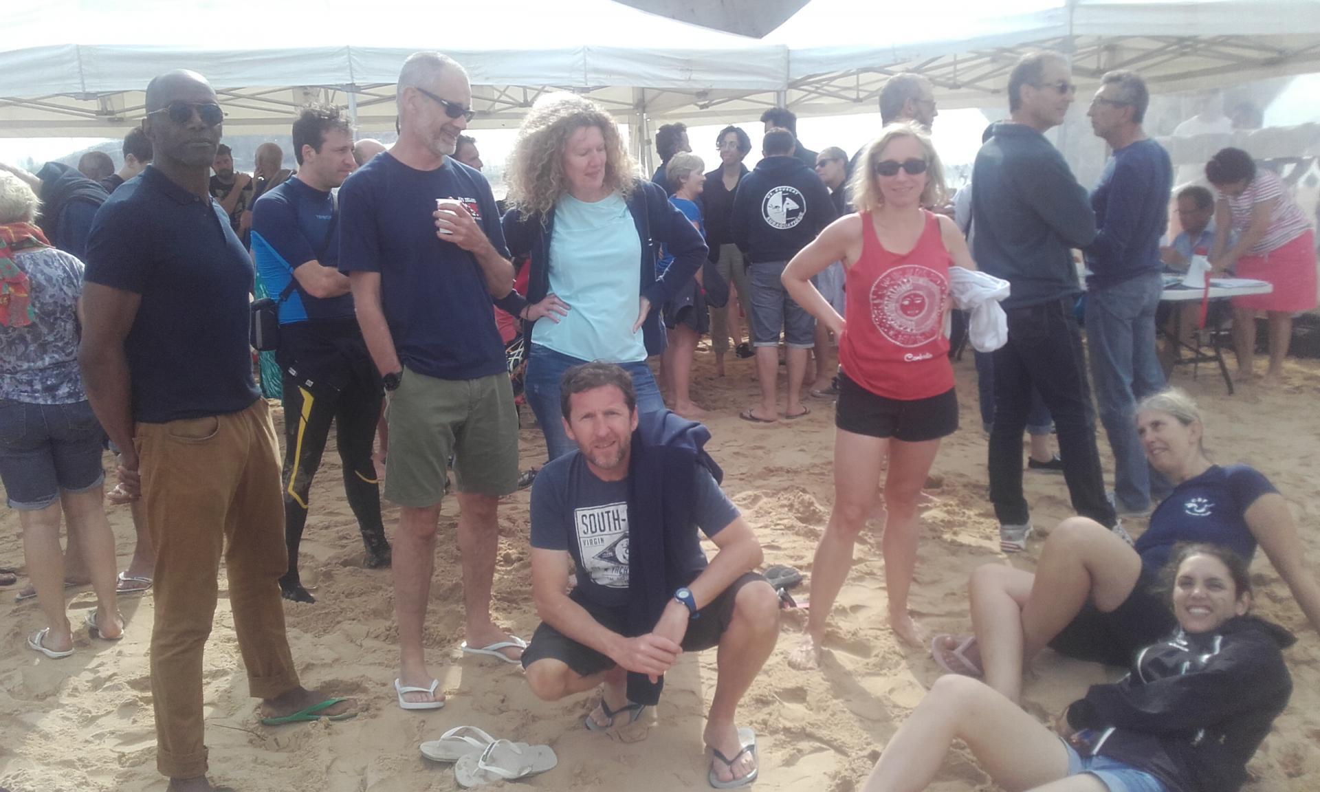 Être ou ne pas être affalé dans le sable.